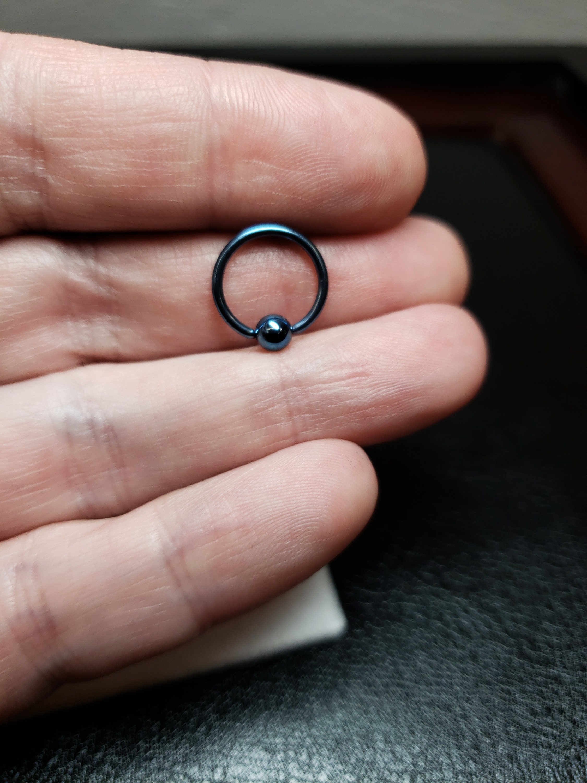 4 Ga MsPiercing Titanium Anodized Black Captive Bead Ring