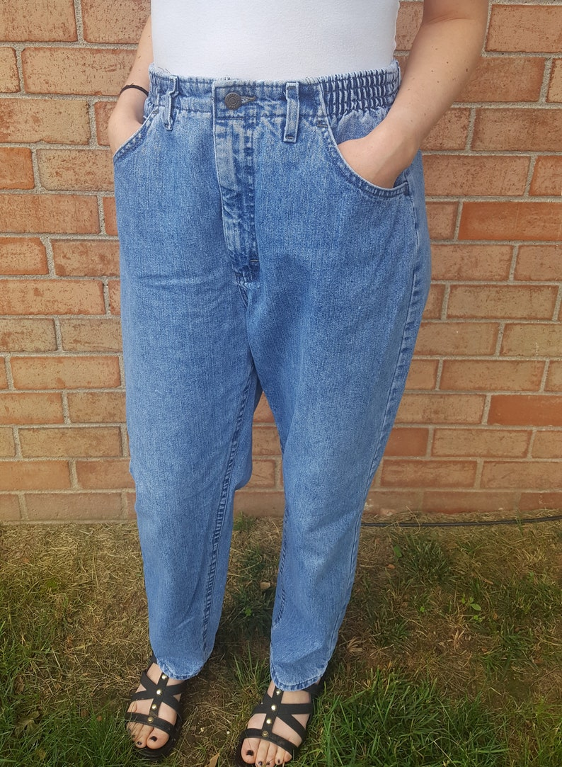 22a0d7e7 Vintage 90's Lee high-waisted mom jeans size 12 | Etsy
