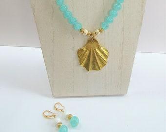 Shell Necklace 3 piece Jewelry Set,Aqua White stone quartz,14k gold beads,w/gold shell pendant,stretch bracelet,necklace,ball earrings,