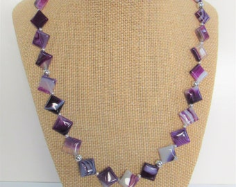 Purple Agate,Square bead necklace,Diamond shape agates,Variegated Natural agates,purple Gemstone,Silver bead necklace,Lavender shade,Choker