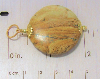 Agate round Pendant, Polished Agate Pendant,Agate and Gold Pendant,Unisex,palm stone, Handwired Gold,stone gold Pendant,Agate Pendant,Golden
