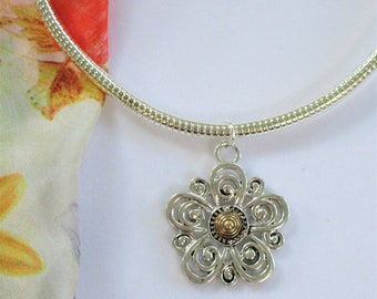 Silver 925 plated Silver Gold Omega Necklace w Daisy Flower disc pendant, 2 sided,High quality flexible silver snake Omega magnetic stopper.