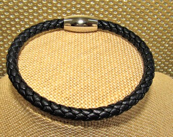 Black leather,Leather bracelet,Mens Leather Bracelet,Silver magnet bracelet,Black Braid Bracelet size 9.5, Mens black bracelet Large Leather