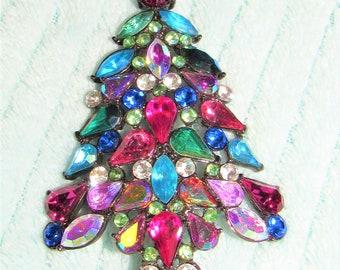 Christmas Tree Pin,Rhinestone Christmas Tree,Gemstone Crystal Tree pin,Christmas Tree Brooch,Christmas Jewelry,Avon Vintage Pin,Vintage Pin