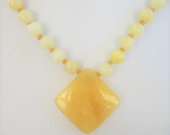 Yellow Agate Bead Necklace,Cream colored 6 mm ball beads,gold glass spacers beads,1 inch double side faceted diamond Gemstone Pendant,magnet
