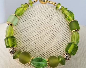 "Glass Bead Bracelet, Green Sea-glass 8.5"" Clear Green Glass Bead - gold spacers, gold magnet closure bead, 100 % glass beads, One of a Kind"