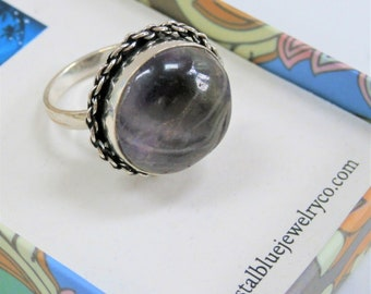 Banded Amethyst Round Cabochon Ring,Beveled Chain Sterling Silver setting,Size 7, 20 mm wide gemstone,tones of plum,grey,vintage design ring
