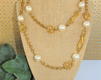 Jumbo pearl Chain Necklace,Vintage gold chain pearl strand,polished gold chunky chain,Status chain pearl necklace,Spectator Necklace,Pearls