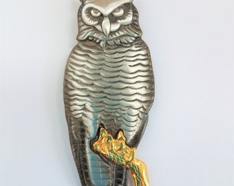 Vintage Owl Pewter pin,Mark Shields Pewter Owl on Gold Branch Pin,Stamped Sheilds Pewter on the back, excellent condition,like new