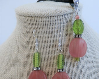 Papaya Seaglass,Papaya Pendant,Round Disc Earring,Sea glass discs, green ribbed glass bead,Rhinestone spacer, SS wires