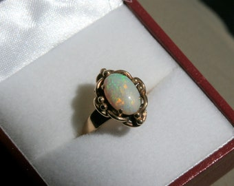 Vintage Opal Ring, 11mm X 7mm Oval, 14k Gold Ring, Gorgeous heavy setting, high polished band, size 5 opal ring, mid century opal ring,sz 5