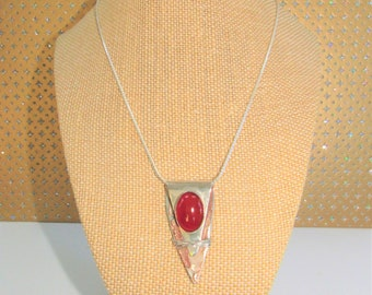 Red Agate Oval Necklace,Cabochon bezel necklace,Silver wrap triangle pendant,Carnelian Silver pendant,red mesh insert,Sterling Mark, Vintage