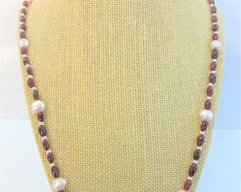 Genuine Garnet,Pink Baroque Pearls,Garnet Necklace,Pearl necklace,Gemstone Necklace,Garnet Pearls,Garnet Silver,Pink Pearls,Baroque Pearls,