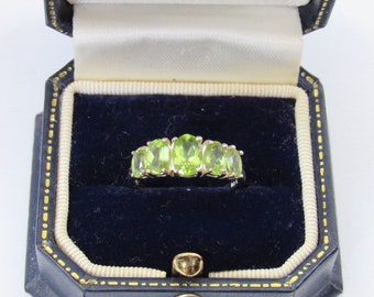 Peridot 5 stone Ring August Birthstone, Gemstone Tapered Band Ring, Stamped .925, Perfect Condition, Size 7, Gorgeous green throughout