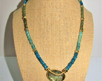 Neon Apatite Necklace,Green Labradorite Pendant,Faceted Apatite Beads, Gold plated beads,Bezeled Labradorite,Sparkling Apatite Heishi beads