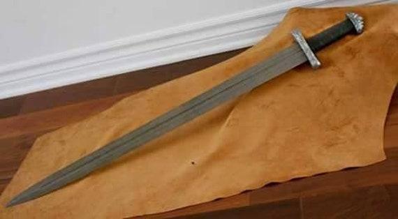 BEAUTIFUL CUSTOM HANDMADE 30.0 inches DAMASCUS STEEL HUNTING SWORD WITH SHEATH