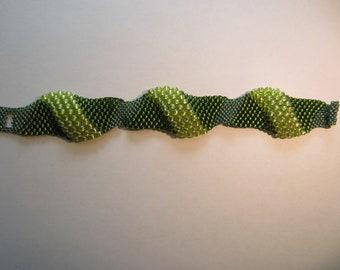 Green Waives Beaded Bracelet Seed Beads