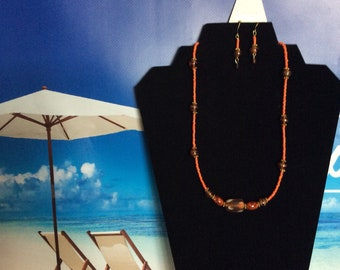 Orange/Brown Wood Beaded w/ Gold Accents w/ matching Earrings !!