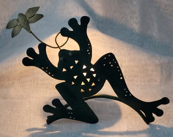 Frog Tea Light Vintage Metal Votive Candle Holder/Crafted Green Frog catching Fly/Country/Shabby Chic/Fun Decor/Farmhouse/Patio/Kitchen
