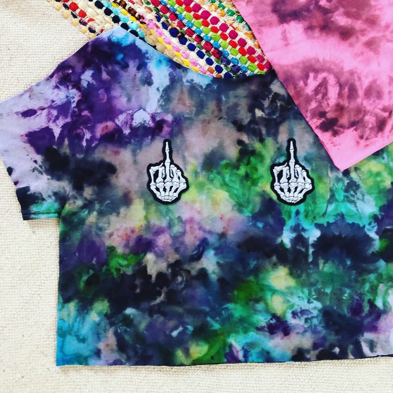 Awesome crop tie dye skull middle finger top