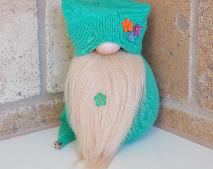 Green Springtime Gnome - Bud