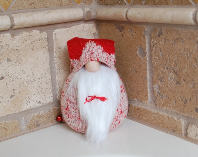 Red Heart Valentine's Day Gnome - Hart