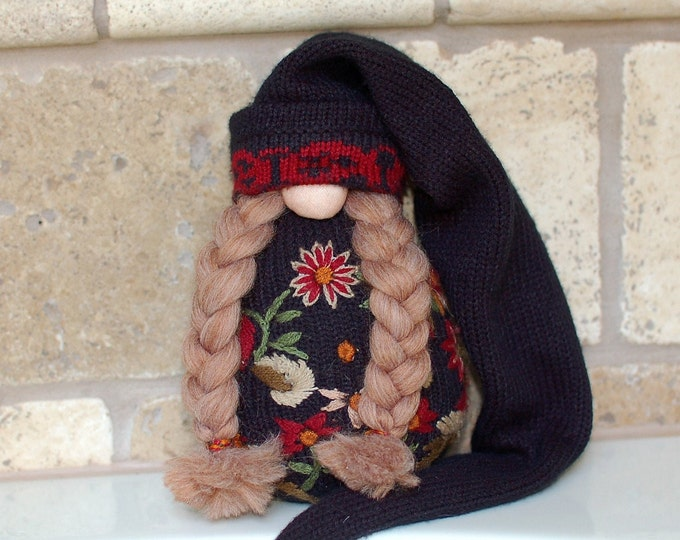 Wanda the Embroidered Gnotable Gnome