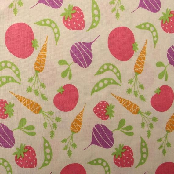 David Walker Garden Vine Pink Bunnies 100/% cotton fabric by the yard