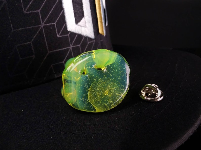 Slime Green Glass Drip Hat Pin Made  By Blue Bear Glass In Asheville NC