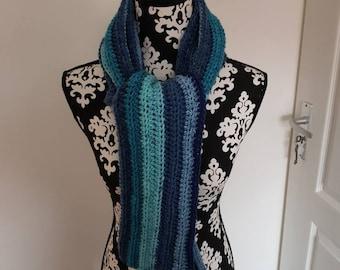 Long, narrow scarf