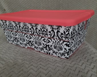 Decorative storage container