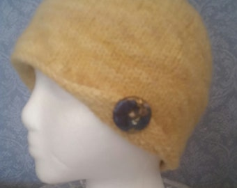 FELTED Cloche in Yellow Blue-Faced Leicester Wool