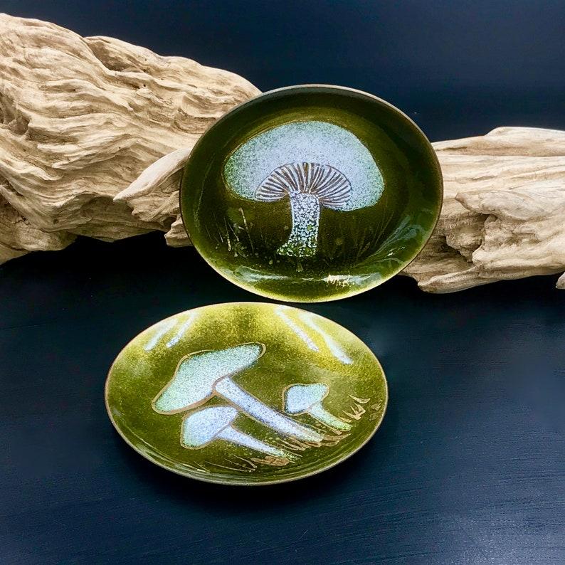 Stone Mountain GA Mushroom Ring Trinket Dish Mushroom Dishes Pair of 1970s Margaret Ratcliff Enamel on Copper Mushroom Dishes 3.75 Inches