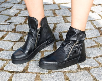 Black genuine leather sneakers/genuine leather boots