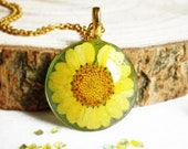 Real flower necklace, Yellow flower jewelry, Rustic necklace for her, Pressed flower, Resin jewelry, Dried flower necklace Sunflower jewelry