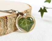 Tiny leaf necklace, Pressed ivy leaf jewelry, Green minimalist necklace, Simple everyday necklace, Small leaf necklace, Gift idea for women