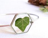 Resin bracelet, Pressed leaf bracelet, Ivy bracelet, Eco resin jewelry, Botanical bracelet, Ivy leaf jewelry, Geometric bracelet Unique gift