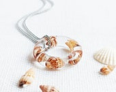 Minimalist necklace circle, Sea shells necklace, Boho minimalist necklace, Resin ring necklace, Sea shell jewelry, Beach lover gift for men