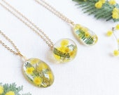 Personalized flower necklace, Dried flower resin necklace, Acacia necklace, Crystal resin jewelry, Bridesmaid necklace gold, Yellow necklace