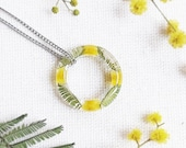 Wildflowers necklace, Preserved flower necklace, Minimalist flower necklace, Karma circle necklace, Gift idea for bestfriend, Acacia jewelry