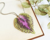 Botanical necklace, Pressed plant necklace, Natural jewellery, Green leaf pendant, Botanical jewelry, Botanical gifts, Sustainable jewelry