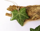Plant resin necklace, Green Ivy Leaf necklace, Rustic wedding jewelry, Botanical jewelry, Rustic bridesmaid gifts, Real plant leaf necklace