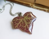 Real plant necklace, Ivy necklace, Resin leaf necklace, Pressed plant jewelry, Natural necklace, Plant lover gift idea, Eco friendly jewelry