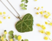 Nature lover necklace, Leaf resin necklace, Green heart necklace, Nature lover gifts for her, Heart necklace for girlfriend, Nature jewelry