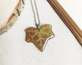 Pressed ivy leaf necklace, Earthy necklace, Rustic necklace for men, Organic necklace, Earthy gifts idea, Unisex necklace, Eco friendly gift