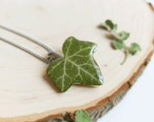 Tiny Ivy Leaf necklace, Real leaf resin necklace, Botanical resin jewelry, Dainty green necklace, Anniversary gift ideas, Green leaf jewelry