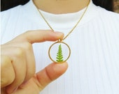 Dainty fern necklace, Pressed plant necklace, Botanical necklace gold, Dainty gold jewelry, Botanical gift for women, Dainty circle necklace