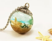 Beach terrarium necklace, Ocean necklace, Real starfish necklace, Beach sand jewelry, Resin ball necklace, Terrarium jewelry Gift for friend