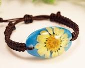 Pressed flower bracelet, Real flower bracelet, Yellow daisy jewelry, Summer bracelet Boho macrame bracelet Sunflower bracelet Hippie jewelry