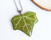 Botanical necklace, Pressed plant jewelry, Eco friendly gifts, Dried plant necklace, Eco resin necklace, Real ivy jewelry, Botanical gift